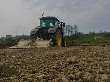 Bodenstabilisierung mit einer Kalkfräse